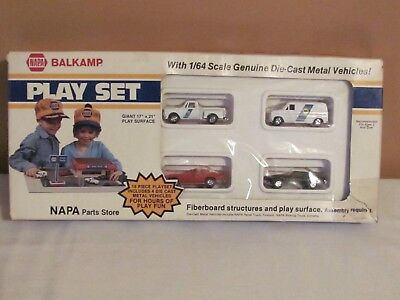 RARE 1980'S ERTL Napa Auto Parts Store 13 Pc  Play Set With Vehicles 1:64  Scale