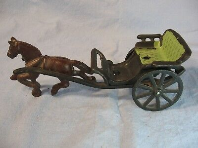 Vintage Cast Iron Metal Horse & Buggy