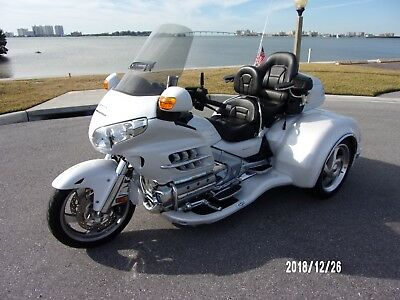 2008 Honda Gold Wing  2008 HONDA GOLDWING GL1800 W/2017 CALIF SIDECAR CONVERSION VIPER KIT PEARL WHITE