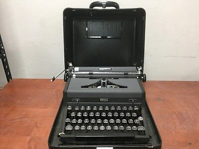 Vintage Royal Quiet Deluxe Black Portable Typewriter Untested As Is | OO464