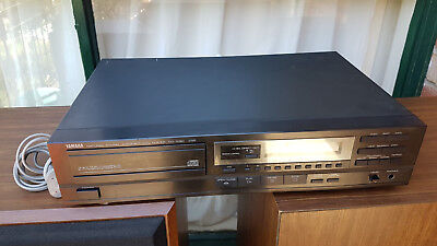 Yamaha high end cd player cd-1050 (Need service) made in Japan