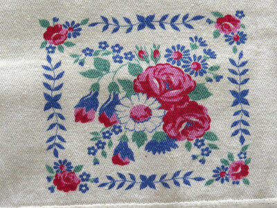 Vintage Luncheon Tablecloth Napkins Set Pink Cabbage Roses White Daisy Flowers