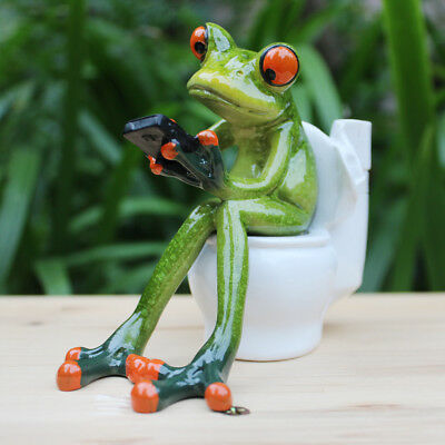 Resin Frog Figurines 3D Cute Crafts Sitting Toilet Ornaments Home Decor A
