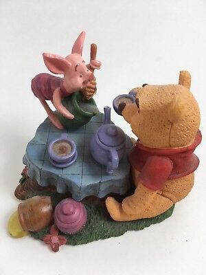 Simply Pooh Time for a Smackeral of Friendship Figurine