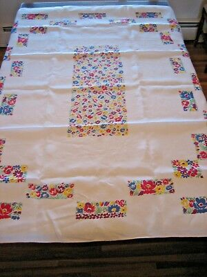 """1940's COTTON TABLECLOTH, 53"""" X 66"""", WITH 6 NAPKINS"""