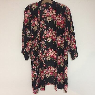 ROBE BLACK WITH Red FLORAL PRINT S/M 100% RAYON KIMONO SLEEVE