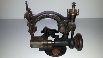 Industrial Guhl & Harbeck straw hat braid sewing machine Dresdensia