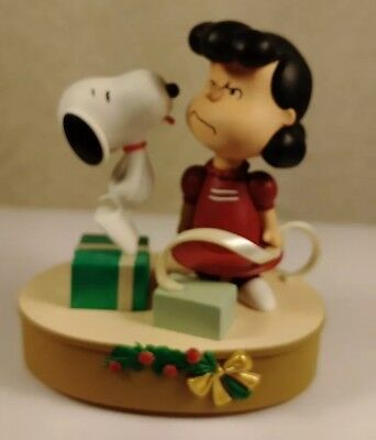 Hallmark 2009 Kissed By A Dog Lucy And Snoopy Magic