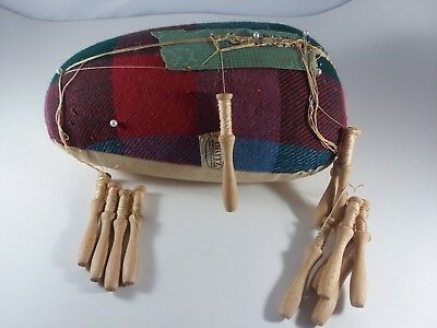 Vtg Dritz Lacemaking Plaid Pillow Box Bolster with 12 Wood Bobbins and Lace