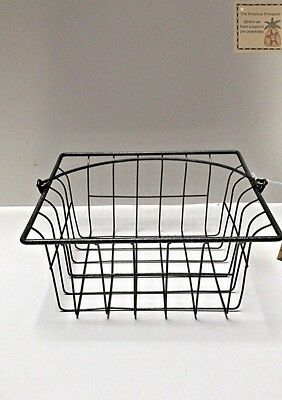 LARGE Country Primitive Farmhouse Style Wire BERRY BASKET with Handle
