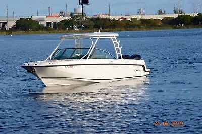 2014 Boston whaler 270 vantage Clean