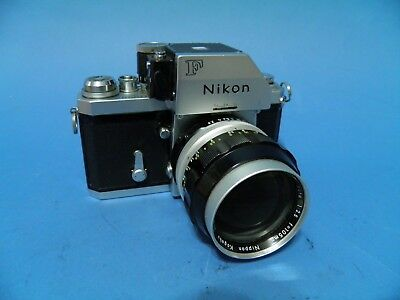Nikon F2  With Photomic T Prism And Nikkor Lens
