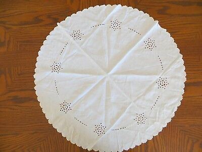 Very Nice White Round Tablecloth
