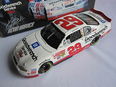 Kevin Harvick #29 GM Goodwrench Service Plus 2001 Monte Carlo 1:24 NASCAR