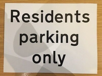 Residents Parking Only Sign 300x400mm Rigid Plastic