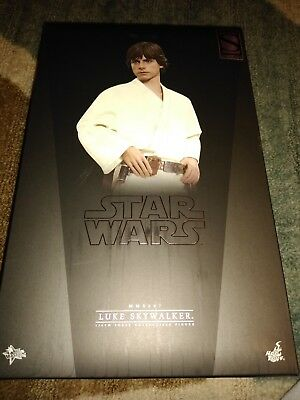 Hot Toys Sideshow Exclusive Luke Skywalker A New Hope