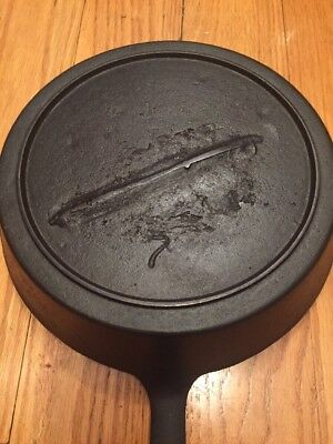 Vintage 1890's Antique #7 Cast Iron Hammered Skillet w/Gatemark - Heat Ring