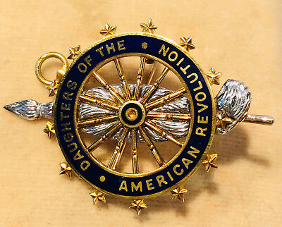 Vintage Daughters of the American Revolution Insignia Pin / Pendant in box
