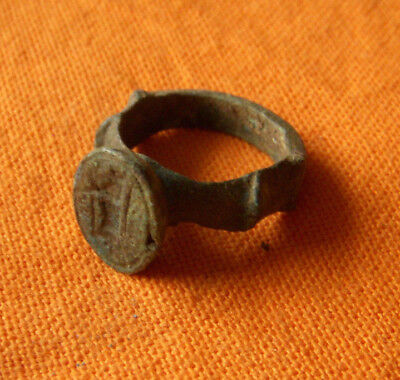 A387Medieval style bronze signet ring