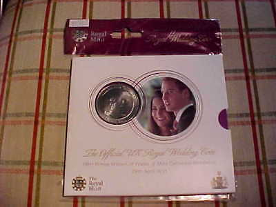 2011 UK Royal Mint Official Royal Wedding 5 Pound Coin William & Kate