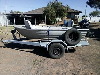 BOAT - 11ft TINNY WITH TRAILER
