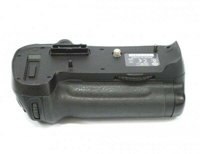 Nikon Multi Power Battery Pack Grip MB-D12 For D800 D810 **EXCELLENT** Condition