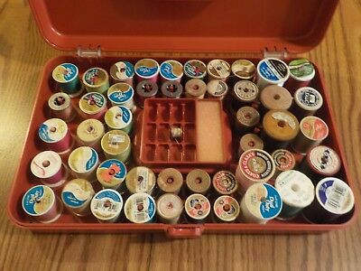 VINTAGE 1970's WILSON WIL-HOLD PLASTIC THREAD BOX WITH 48 SPOOLS OF THREAD