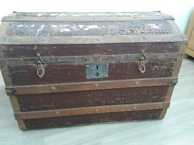 Antique Humpback Trunk Late 19th Century