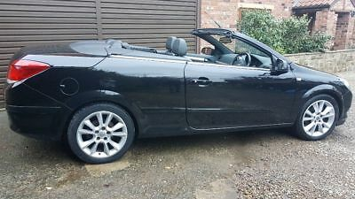 2007 Vauxhall Astra Black Twin Top Convertible 1.8 Design * 3 Owners