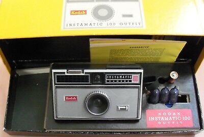 Vintage Kodak Instamatic 100 Outfit Camera  w/ Box