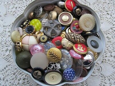 Vintage One Lb Pound Mixed Lot Of Fancy Buttons In Avon Tin