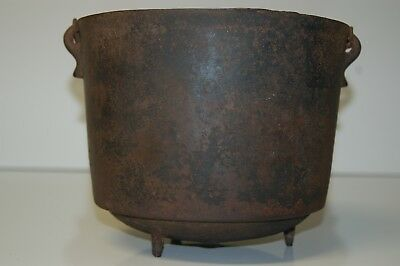 Vintage # 7 Cast Iron Bean Pot, Cowboy Kettle, Gypsy Cauldron, Water Drum