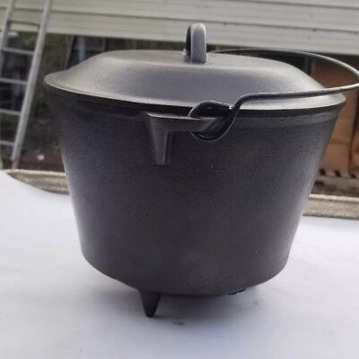 Vintage #7 Cast Iron 3 Leg Kettle Bean Pot w/7 4-4Lid Cleaned and Seasoned