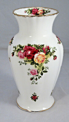 "Vintage 1962 ROYAL ALBERT 7"" OLD COUNTRY ROSES VASE - England"