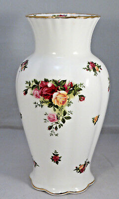 "Vintage 1962 ROYAL ALBERT 9.25"" OLD COUNTRY ROSES VASE - England"