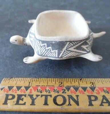 Vintage Laguna New Mexico Indian Pottery Turtle Pot by Michael Kanteena Signed