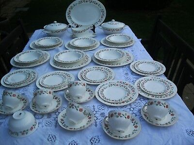 Wedgwood India Rose tea ,dinner service .42 pieces
