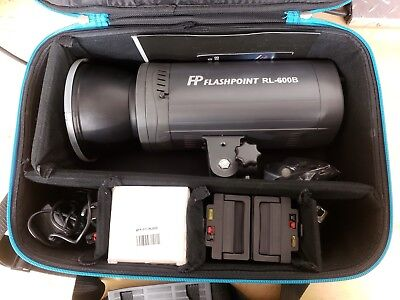 Flashpoint Rovelight 600B + Extra Battery, Trigger, Reflector, Spare Bulb, Case