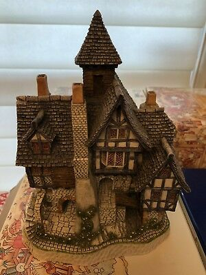 David Winter castle / cottage - Aunt Mary's Haunted House - RARE
