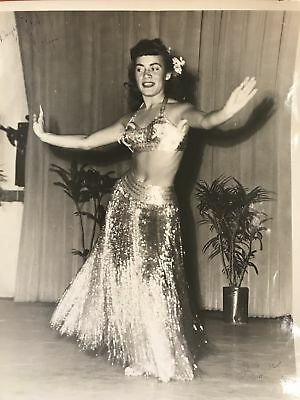 1953 Signed Vintage Hula Girl Photograph Of Wanda Chapman From Waimea Ranch
