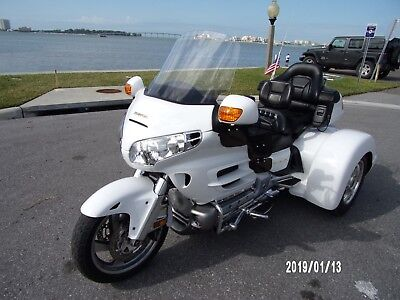 2004 Honda Gold Wing  2004 HONDA GOLDWING W/2008 CHAMPION SIDECAR TRIKE CONVERSION IN WHITE