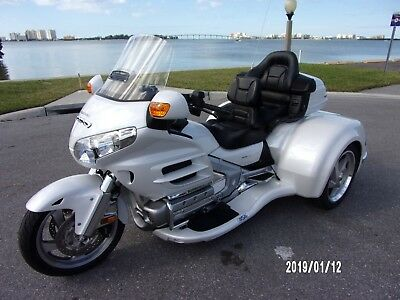 2008 Honda Gold Wing  2008 HONDA GOLDWING GL1800 W/2018 CALIF SIDECAR CONVERSION VIPER KIT PEARL WHITE