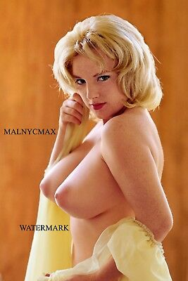 Blond topless vintage model, with torpedo breasts (4 x 6 photo reprint)