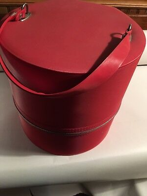 Vintage Red Hat Box Tote  Vinyl  With  Zipper 10 In.tall W/ Strap
