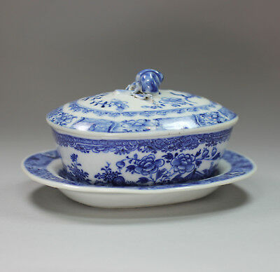 Antique Chinese small blue and white butter tub and cover and stand, Qianlong (1