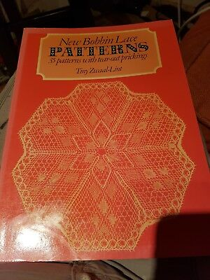 New Bobbin Lace Patterns. 35 Patterns With Tear Out Prickings. Tiny zwaal-lint