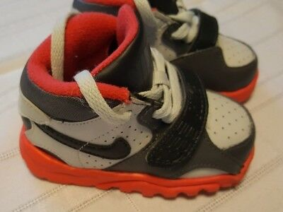 65653719f9ec Toddler Boys NIKE Trainer Infant baby Tennis Shoes Sneakers Gray Orange  Size 4C