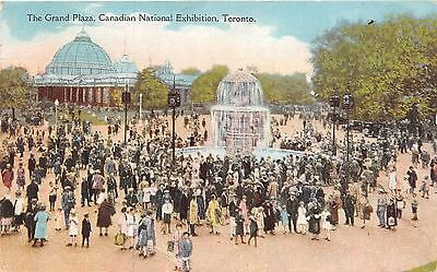 Toronto Ontario~Canadian National Exhibition-Crowd @ Grand Plaza Fountain~1930