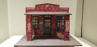 KC'S GARAGE Original 1997 Hallmarks Kiddie Car Classic Service Station 1/18th Sc