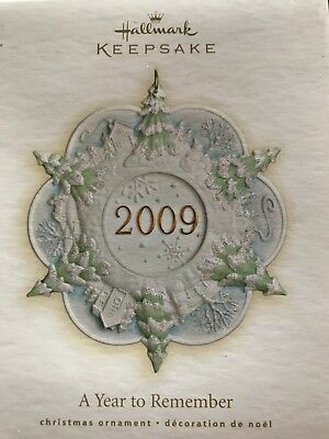 2009 Hallmark Ornament  A Year to Remember Snowflake Porcelain New
